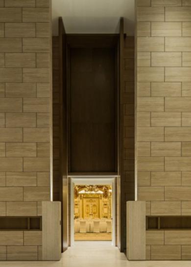 室内超高厚重装饰门安装工法