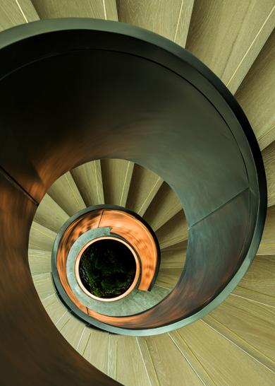 圆柱旋板楼梯模组化安装工法